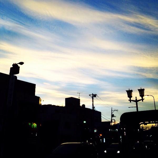 最寄駅から見える空