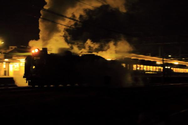 ハロウィン夜汽車♪.*
