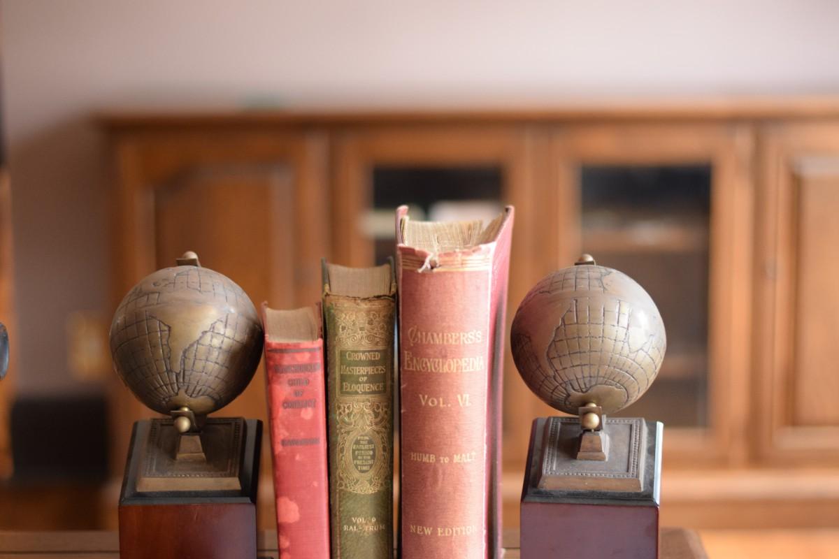 厳選していないけど、いい本たち――テキストブックの選び方 「選書編」