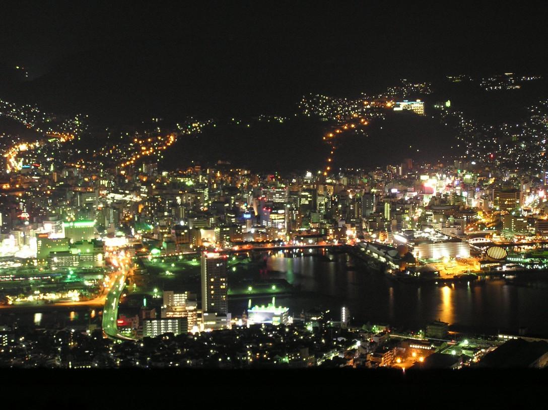 長崎市の稲佐山の夜景