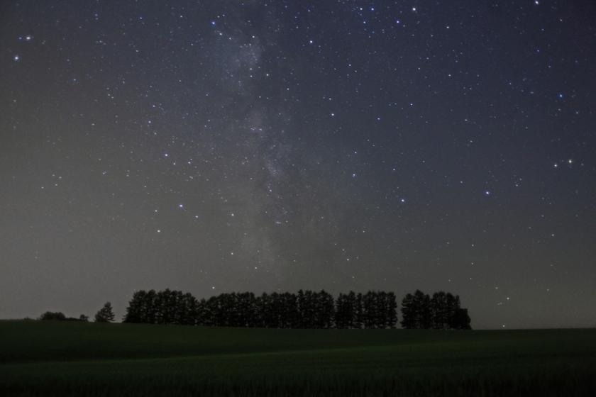 北海道 マイルドセブンの丘の星空