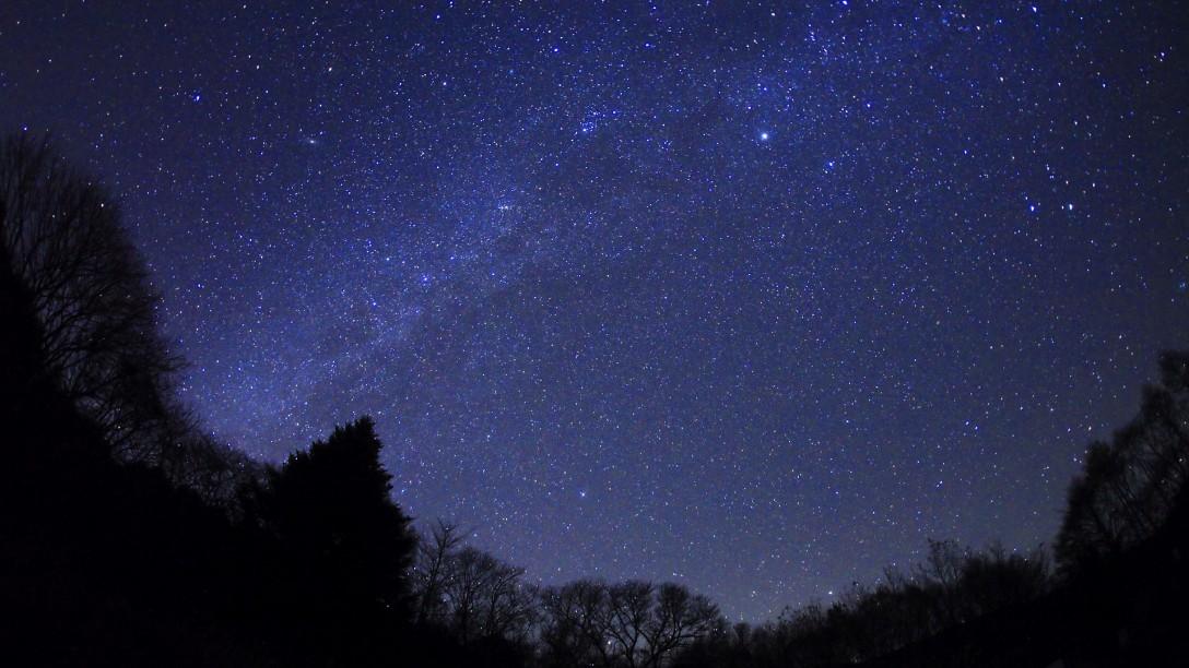 福島県 日山(天王山)登山口の駐車場の星空
