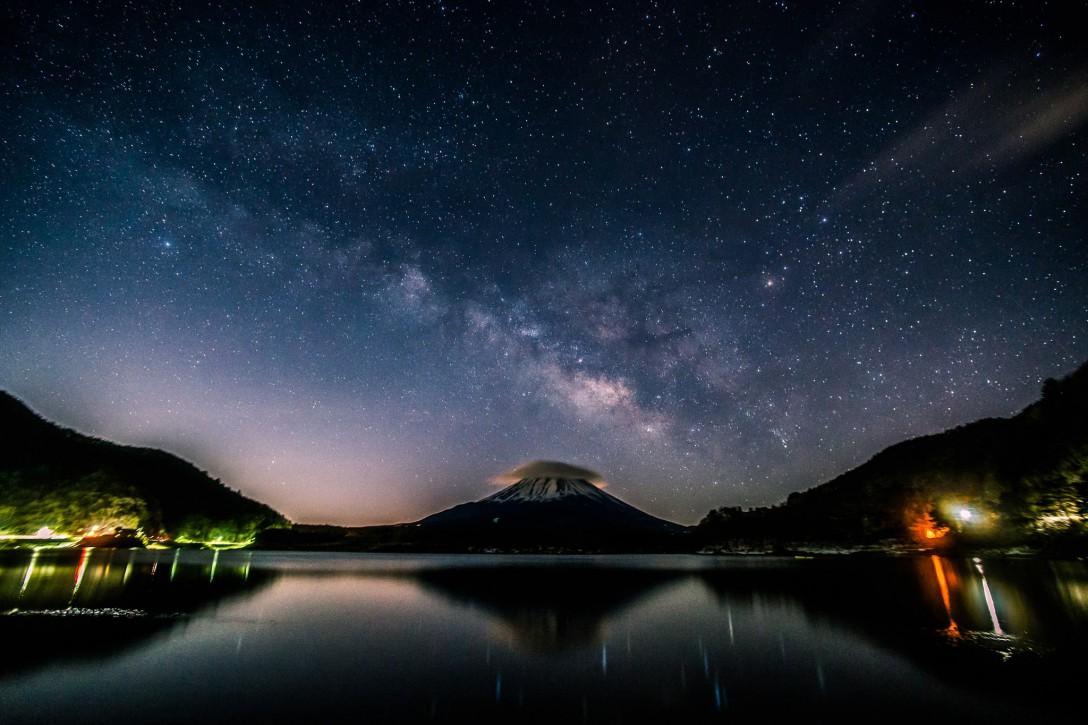 山梨県 南都留郡富士河口湖町精進湖の星空