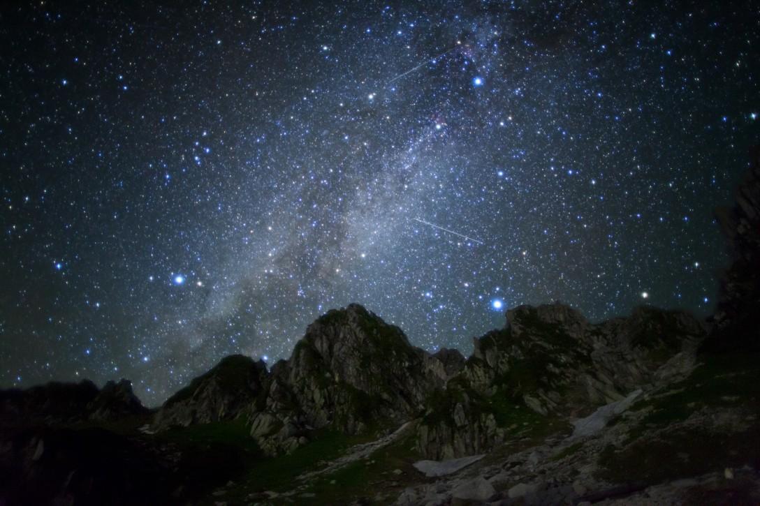 長野県中央アルプス千畳敷カールの星空