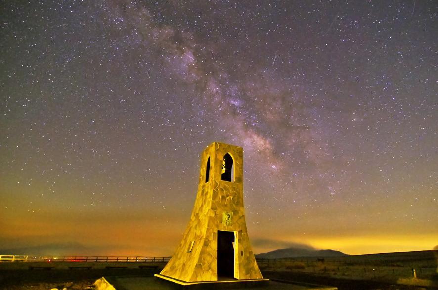 長野県 美しの塔の星空