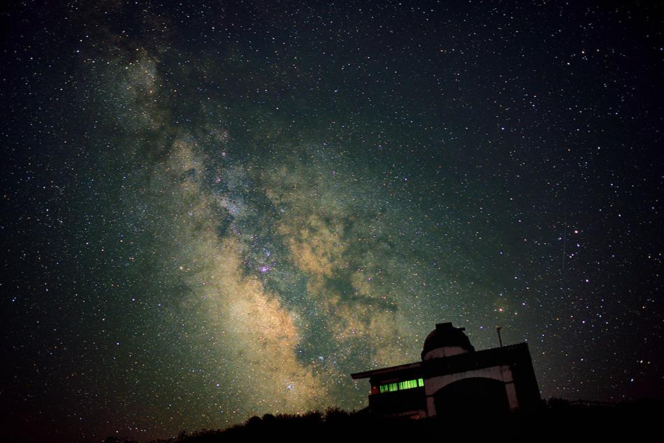 徳島県 大川原高原ヒルトップハウス 天文台の星空