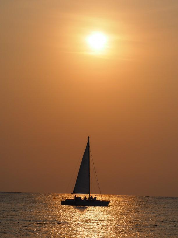 沖縄県~奥間の夕陽~