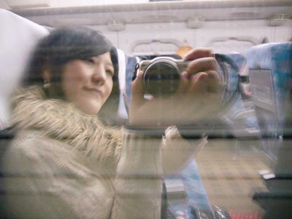最終の新幹線に乗った時、トンネルに入った際に窓ガラスごしに撮影。